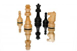 Bild på schackpjäser
